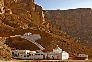 ahmad-ibn-isa-tomb